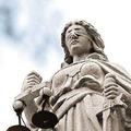正義女神眼睛給布綁著