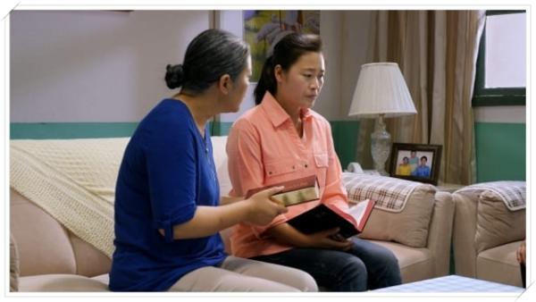 母親給女兒傳福音