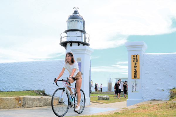 段慧琳東進武嶺單車旅 飽覽海拔零到三千公尺地景風情