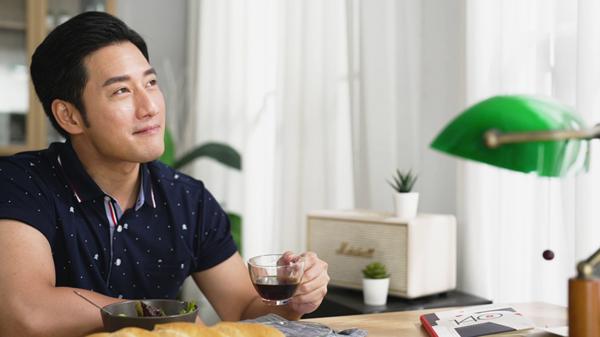 MONTAGUT 攜手型男演員周孝安 勇敢挑戰自我