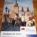 多年前曾和德國友人路過維爾茨堡,對這個南德老城深深懷念,今年4月重遊,老城堡依然偉立在山頂,可是印象裡的老巷子怎麼不見了?