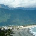 七星潭不是潭,是一個太平洋濱的美麗寧靜的海灣........ 這條單車道從南濱開始,沿海濱延伸到七星潭, 風景優美,是許多年輕遊客的最愛呢!