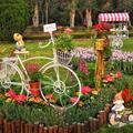 2021士林官邸鬱金香展的主題是<荷你相遇>,展示設計中有許多可愛動物、植物及腳踏車等裝置藝術搭配,使花展更繽紛多彩。
