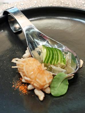 青(黃)瓜與炸蝦餃