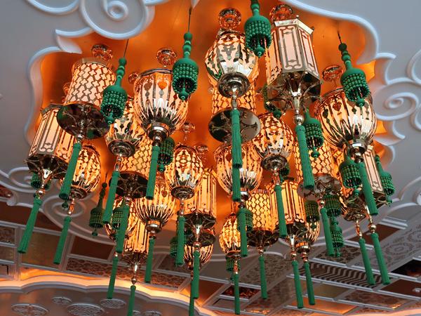 華麗的吊燈組合