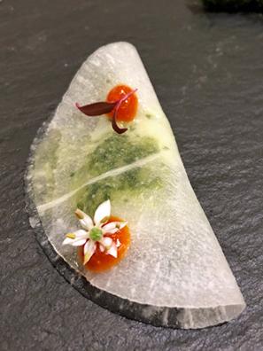 蘿蔔夾生鯛魚