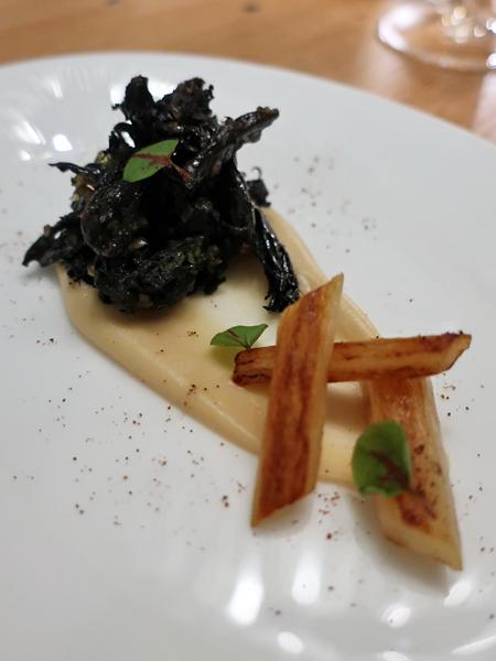 開胃菜黑喇叭菇與炸朝鮮薊