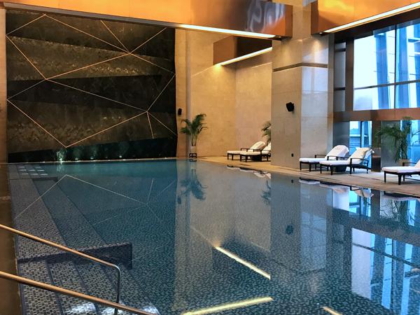 游泳池很好
