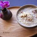 ~芋頭糙米稀飯~ 夏天如果不想吃油膩,一鍋糙米稀飯就著一盤紅燒豆腐、一碟苦瓜炒鹹蛋。