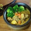 ~咖哩雞~ 有時一鍋咖哩雞,配一碗剩下的白飯,溫暖又飽足。