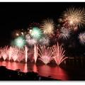 2013的大稻埕花火節現場... 我錯過了黃金情人雨的瞬間,竟然還把煙火大秀拍成了小品!   首拍大稻埕煙火小記